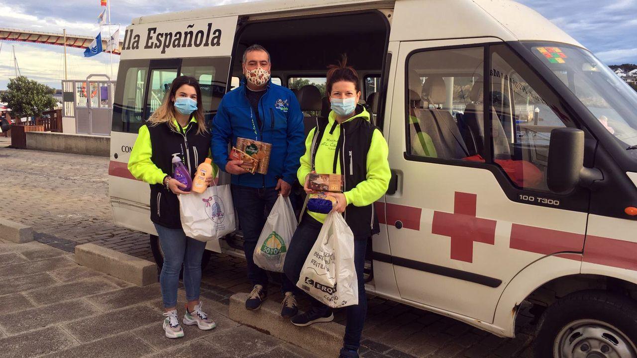 Personal del Hospital da Mariña, en la foto de archivo, lleva meses trabajando para detectar casos de coronavirus y tratar de frenar la expansión de la pandemia