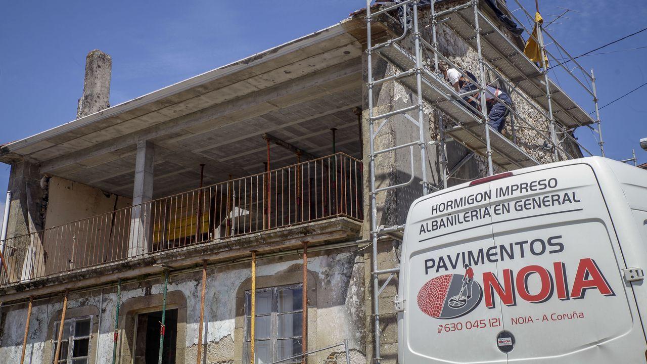 Imagen de la alameda de A Pobra, concello que entrará en máximas restricciones mañana