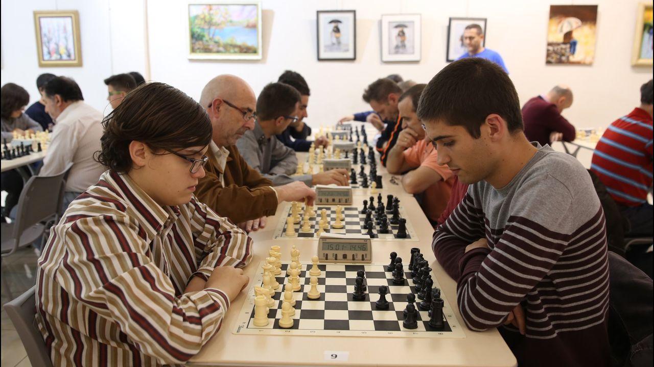 La Gala do Deporte Universitario reconoce a numerosos deportistas ourensanos.Juegos de escape de mesa en Oviedo