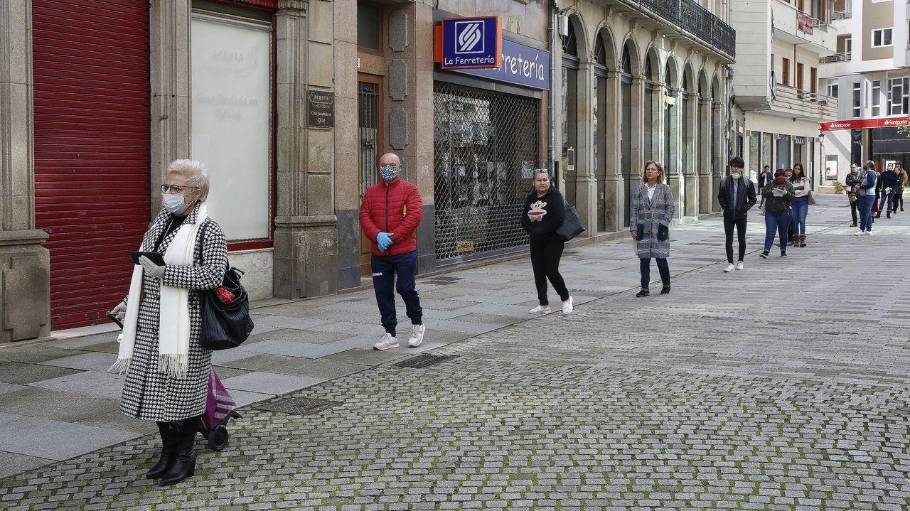 Las colas en la oficina de Correos de Vilagarcía han sido constantes durante la pandemia