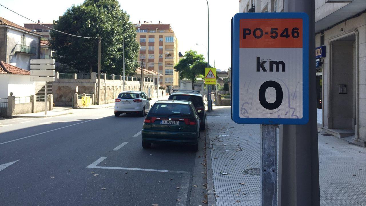 La calle Rosalía de Castro quedará con un único carril de circulación, en dirección salida de la ciudad