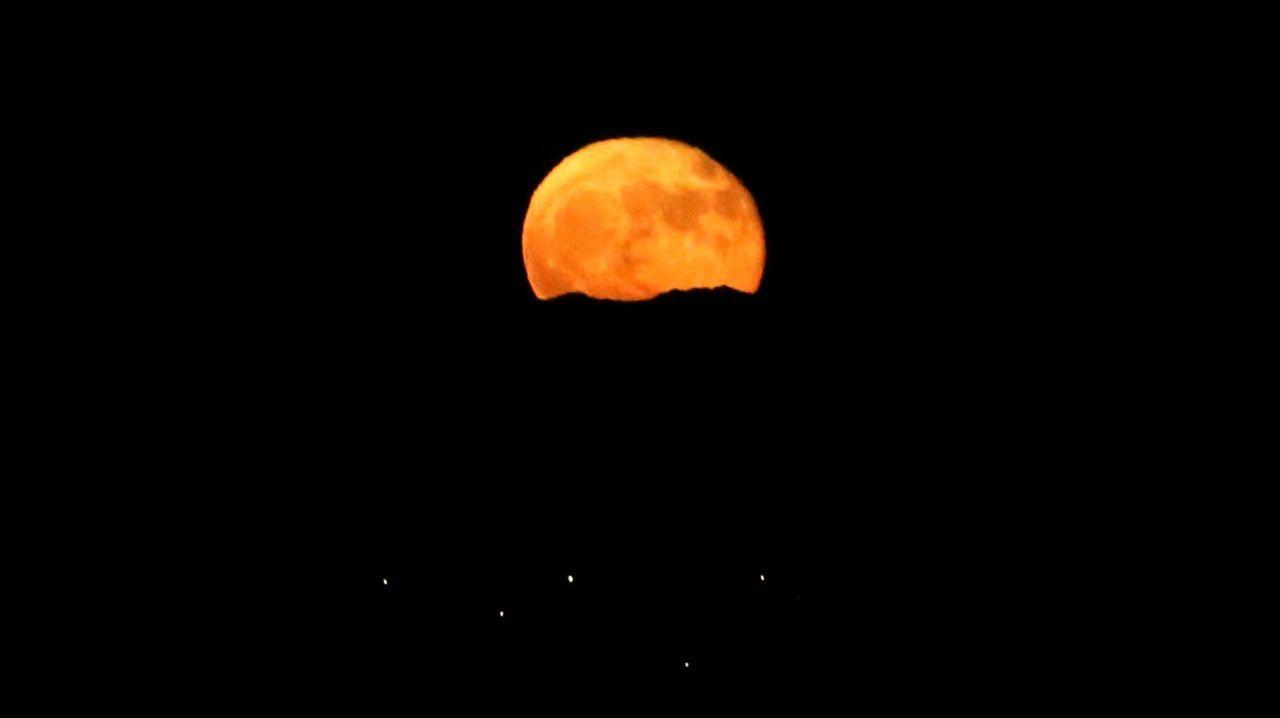 La luna hará en enero algo insólito en 150 años.Eclipse de la Superluna dede Valparaíso, Chile