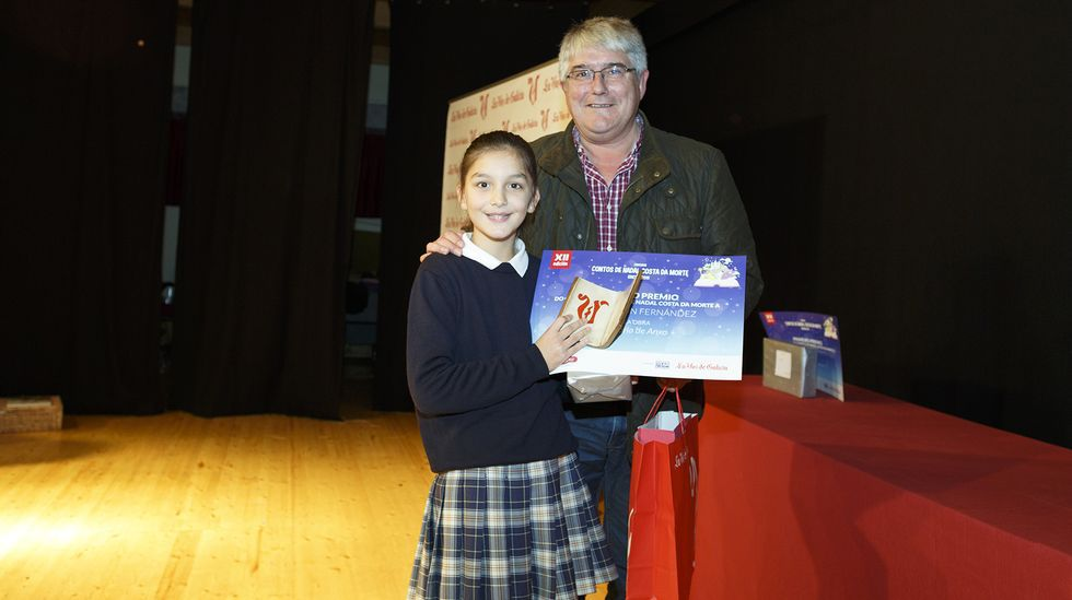 Irene Ramón, recollendo o seu premio nos Contos de Nadal 2015