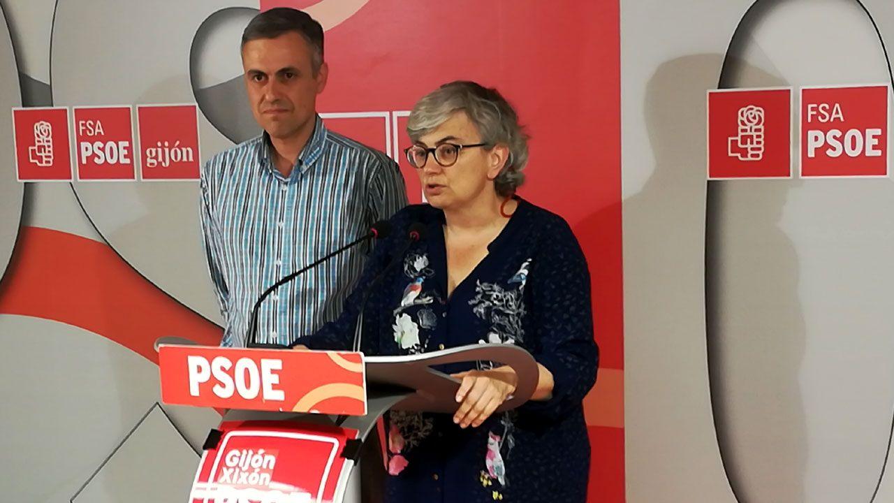 MITIN PP ALBERTO NUÑEZ FEIJOO EN A POBRA Y RIBEIRA.Iván Fernández Ardura y Ana González, en la Casa del Pueblo