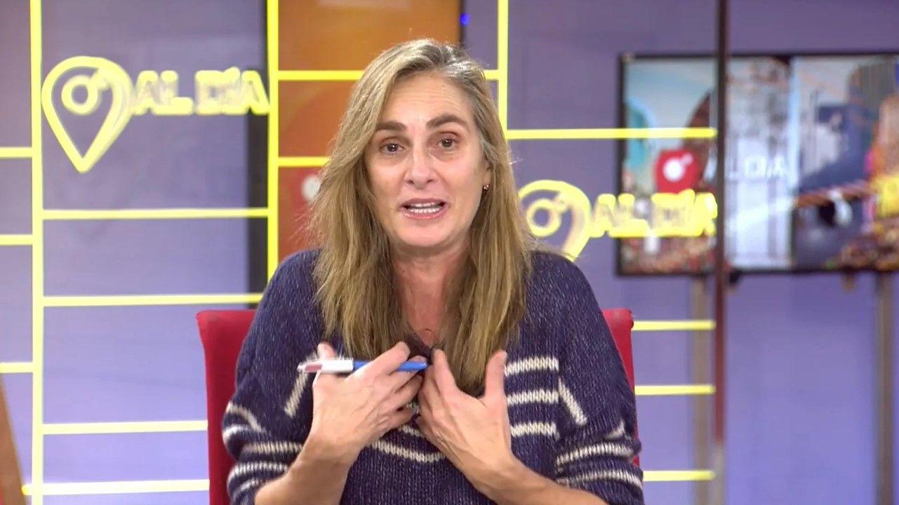 Marta Reyero se incorporó al informativo de Cuatro recién llegada, sin pasar por maquillaje y peluquería y sin cambiarse de ropa