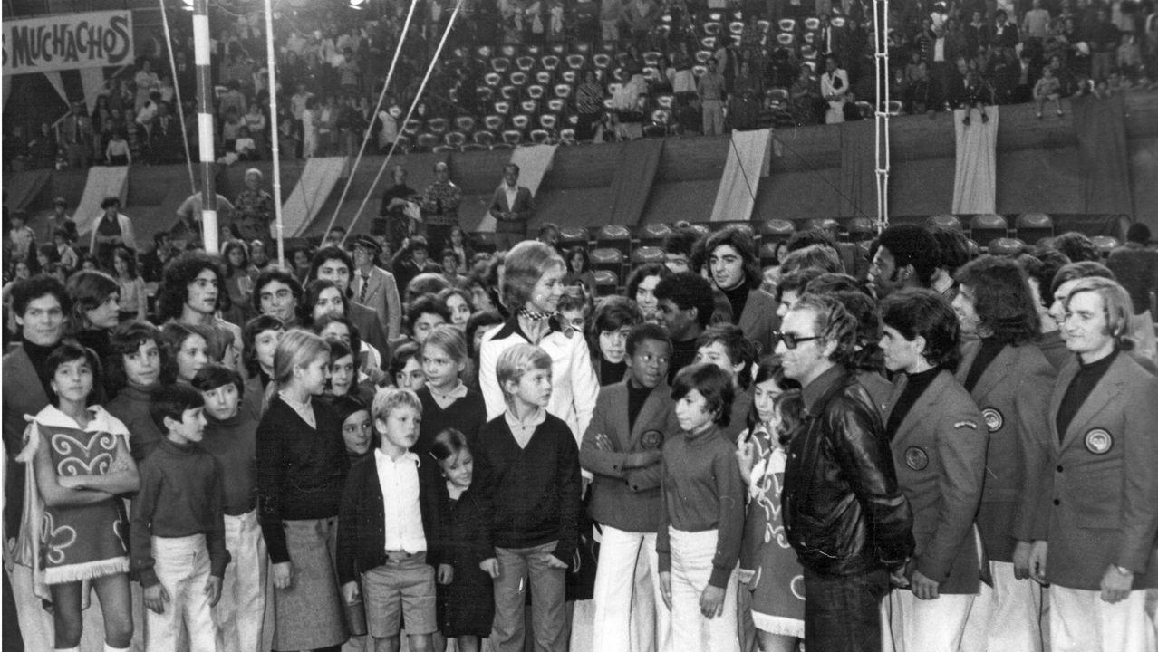 Visita de la reina Sofía al Circo de los Muchachos a principios de los años 80