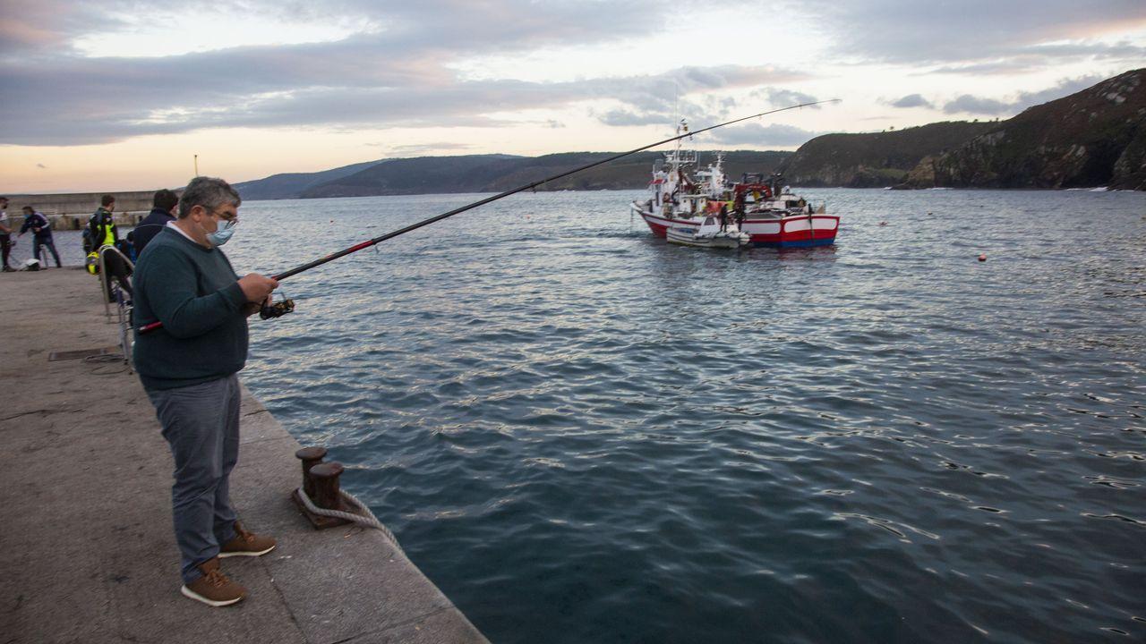 Foto de archivo de mariscadores furtivos en la ria de Ferrol