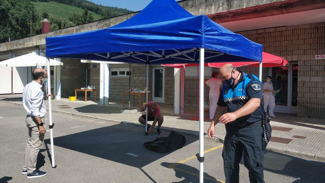 coronavirus Asturias.Instalación de un autocovid en Cangas del Narcea