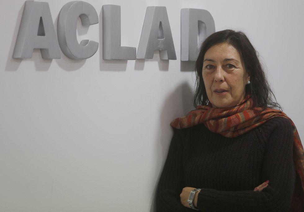 La asociación vecinal Elviña 2 Fases entregó en la biblioteca Miguel González Garcés los premios del concurso de fotografía «Luces y colores de Elviña».