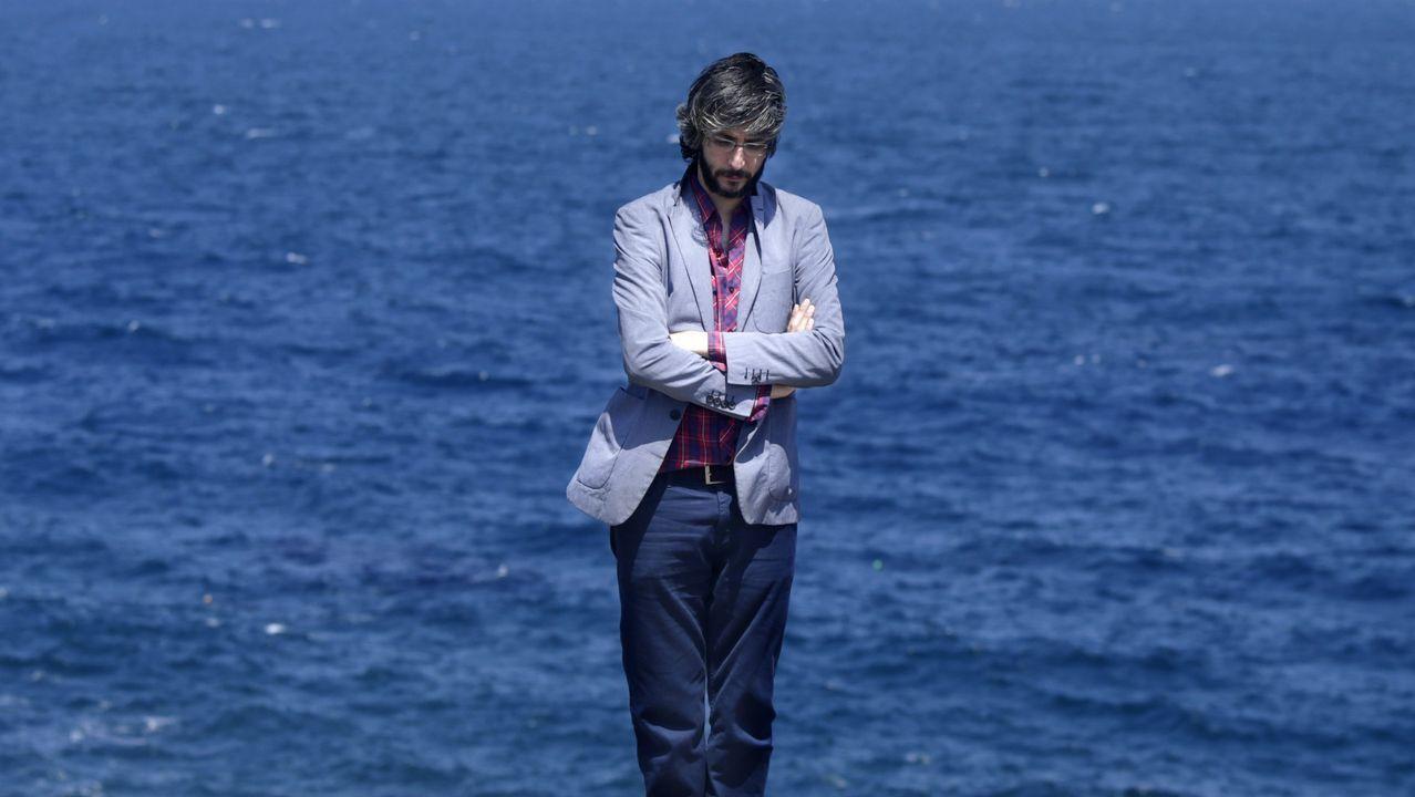 Xoel y Ferreiro encienden el verano.Xoel López fotografiado en A Coruña con el Atlántico de fondo