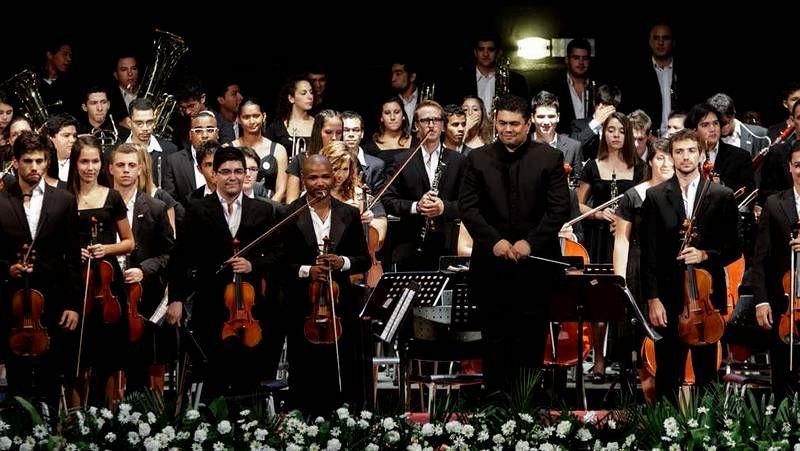 Orquesta Sinfónica Juvenil de Uruguay con el maestro Britos