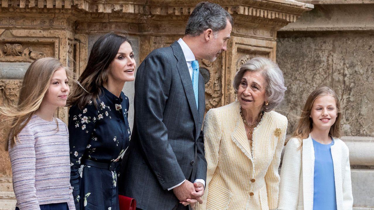 Para la misa de Palma, Letizia eligió un vestido de Massimo Dutti