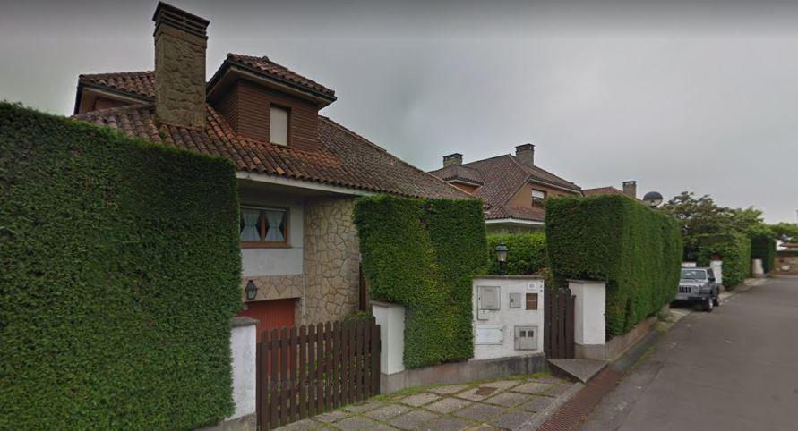 Casas en la calle Camino de los Quiñones, en Gijón