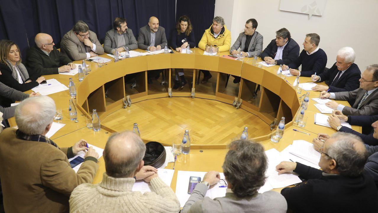 Imagen del encuentro de Néstor Rego con los transportistas
