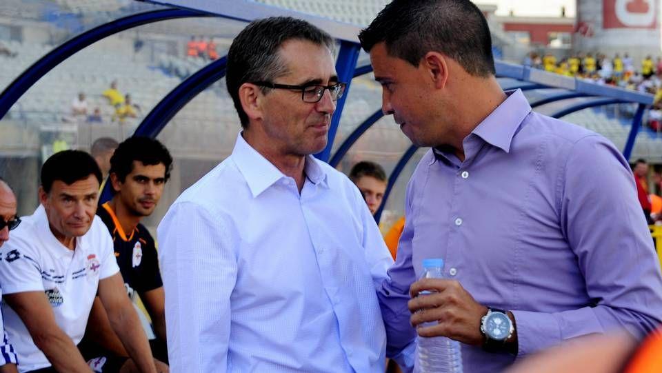 Un repaso por la estancia de Zé Castro en el Deportivo de La Coruña.Wilk trata de arrebatar el balón a Culio mientras Juan Domínguez sigue el lance en un entrenamiento del Dépor.