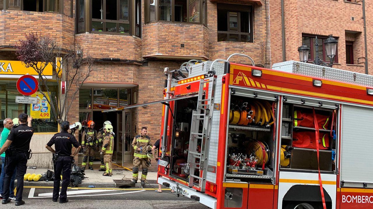 Incendio en un inmueble de la calle Silla del Rey de Oviedo