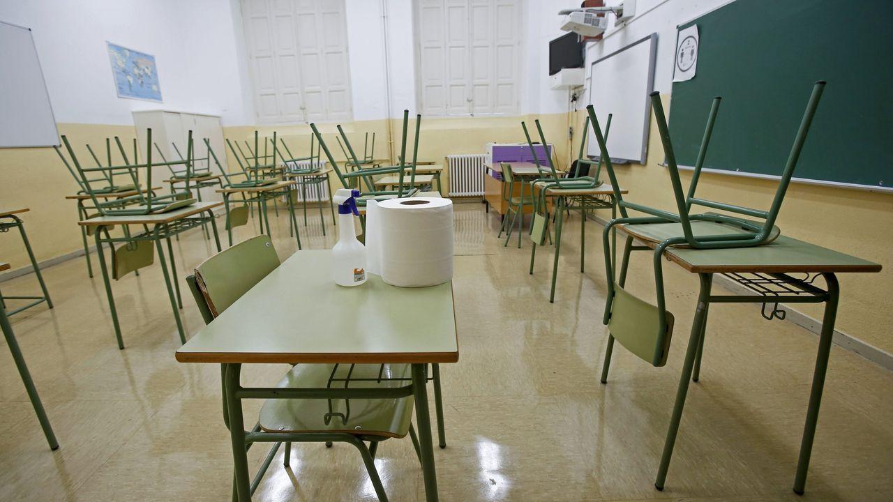 Imagen de archivo de un aula sin estudiantes