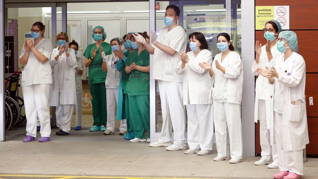 Despliegue de la Brilat en Ourense.Efectivos de la Unidad Militar de Emergencias UME, se preparan para iniciar las labores de desinfección del hospital de Cabueñes de Gijón