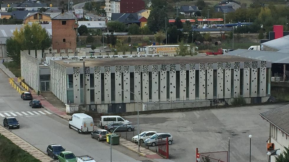 Encendido del alumbrado navideño en O Barco.El Clúster da Pizarra organizó una jornada informativa en su sede, en Sobradelo