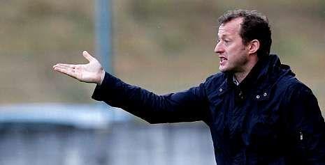 Manolo García está haciendo un gran trabajo con el As Pontes, la gran revelación de la primera vuelta de la liga en Tercera.