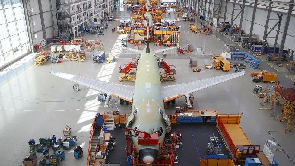 Las imágenes del accidente aéreo de Germanwings.Urbanizacion Montegolf, en A Zapateira