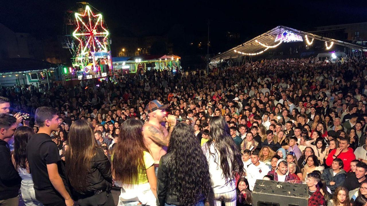 Los Satélites ponen a prueba la verbena en Arteixo.Fotografia de archivo del concierto de Kiko Rivera en San Xoán en el 2019