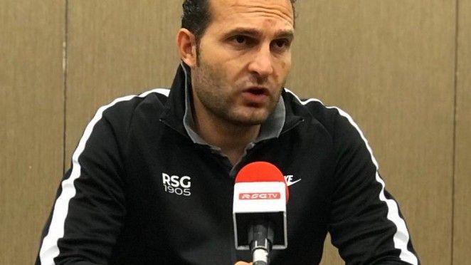 derbi Real Oviedo Sporting Carlos Tartiere.Los futbolistas del Sporting se retiran a vestuarios en el descanso