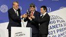 Los ganadores del Premio Planeta: Jorge Díaz, Agustín Martínez y Antonio Mercero.