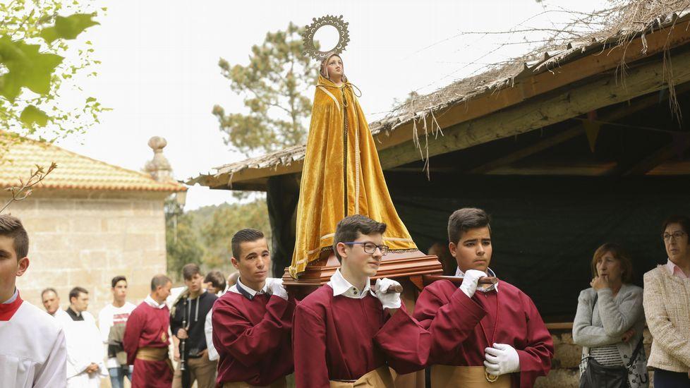 Procesión de la Palomita (Vimianzo).