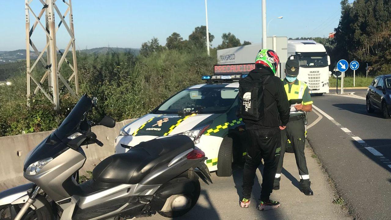 Control de motos en una carretera cerca de A Coruña esta misma semana.