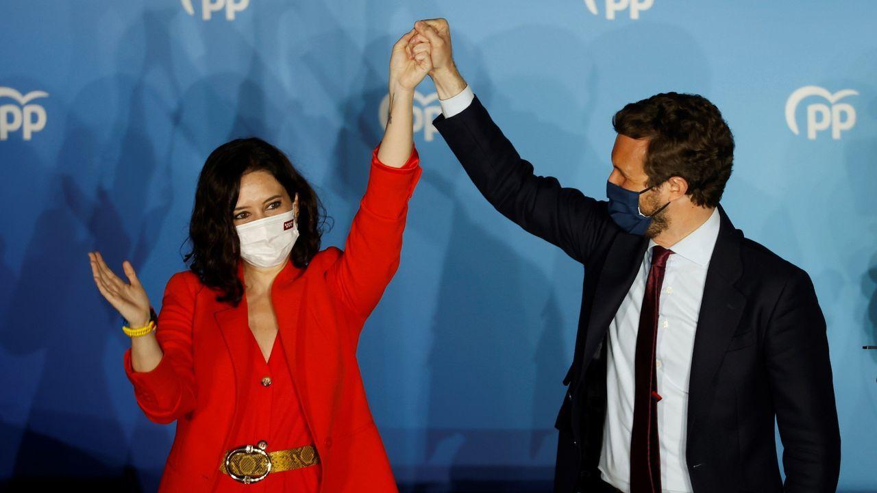 Isabel Díaz Ayuso: «La libertad ha triunfado en Madrid».Garamendi, consejera de Gobernanza; el vicelendakari Erkoreka e Iceta, ministro de Política Territorial salen de la Comisión de Transferencias