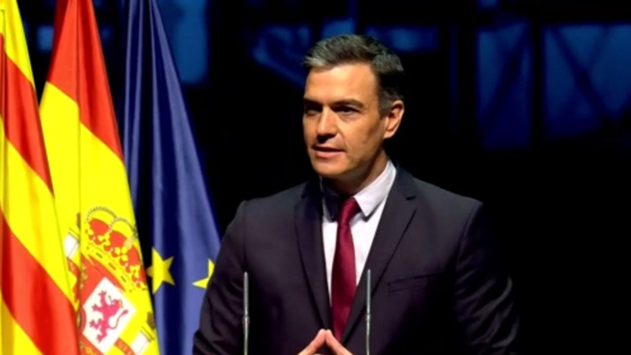 Sánchez confirma que el Gobierno indultará mañana a los presos del «procés».Pedro Sánchez durante la conferencia ofrecida en el Liceo de Barcelona