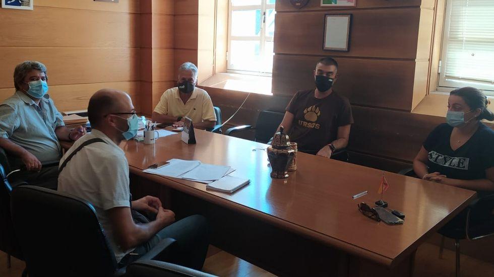 Los alcaldes del geoparque, en la reunión celebrada en Quiroga