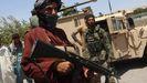 Milicianos y soldados de las fuerzas afganas en Herat