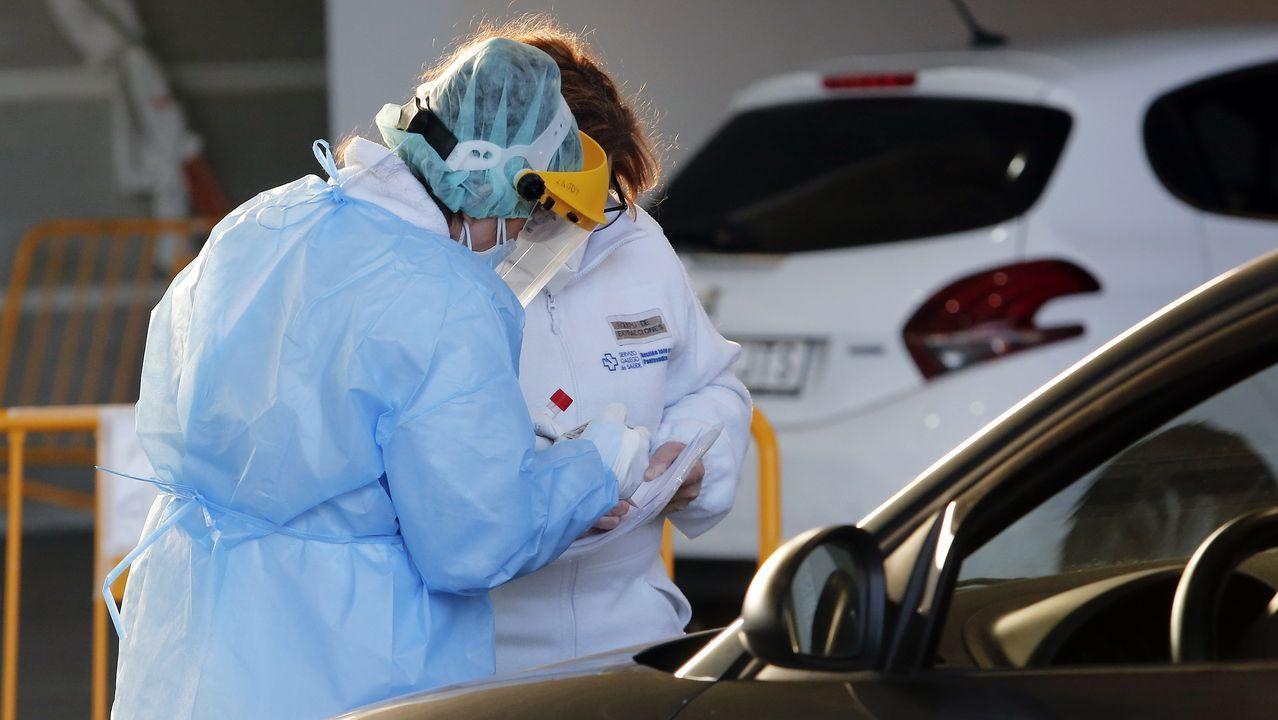 Nos pasamos de los lindes sin querer.Entrada del servicio de urgencias del hospital Montecelo, en Pontevedra