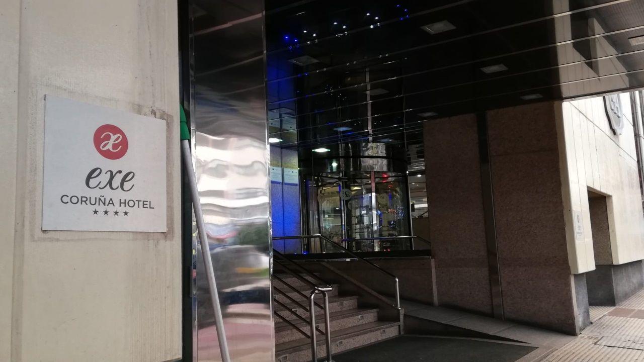 Estanteríasvacías en los supermercados gallegos.Obra de Vía Célere en plaza de Tabacos, Cuatro Caminos, en A Coruña. Imagen de archivo