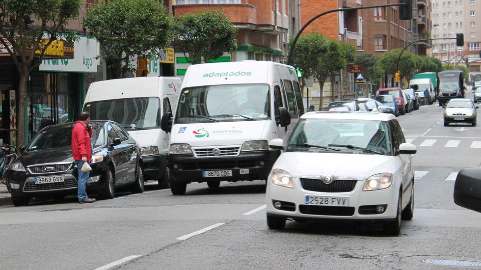 Comienza el fin del viaducto de ronda de Nelle.Tráfico en el barrio de El Llano de Gijón