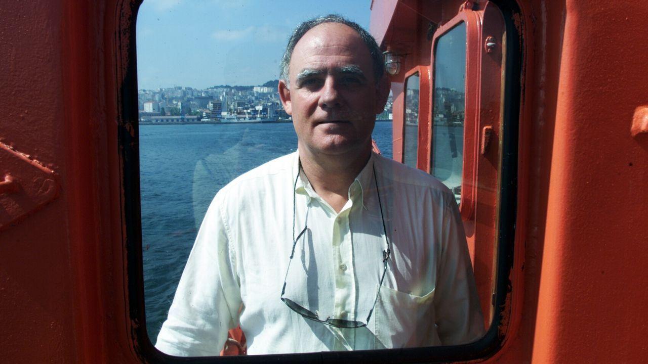 Novoa durante un ejercicio de salvamento marítimo en el año 2000