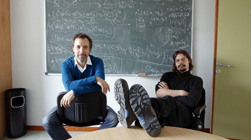 Los dos son probablemente los únicos físicos de partículas de toda España que trabajan en un mismo departamento.