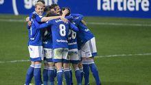 Los jugadores del Oviedo celebran la victoria ante el Zaragoza