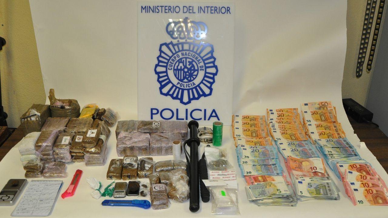 Asaltan la vivienda del armador Manuel Nores en Marín.Disturbios en Via Laietana