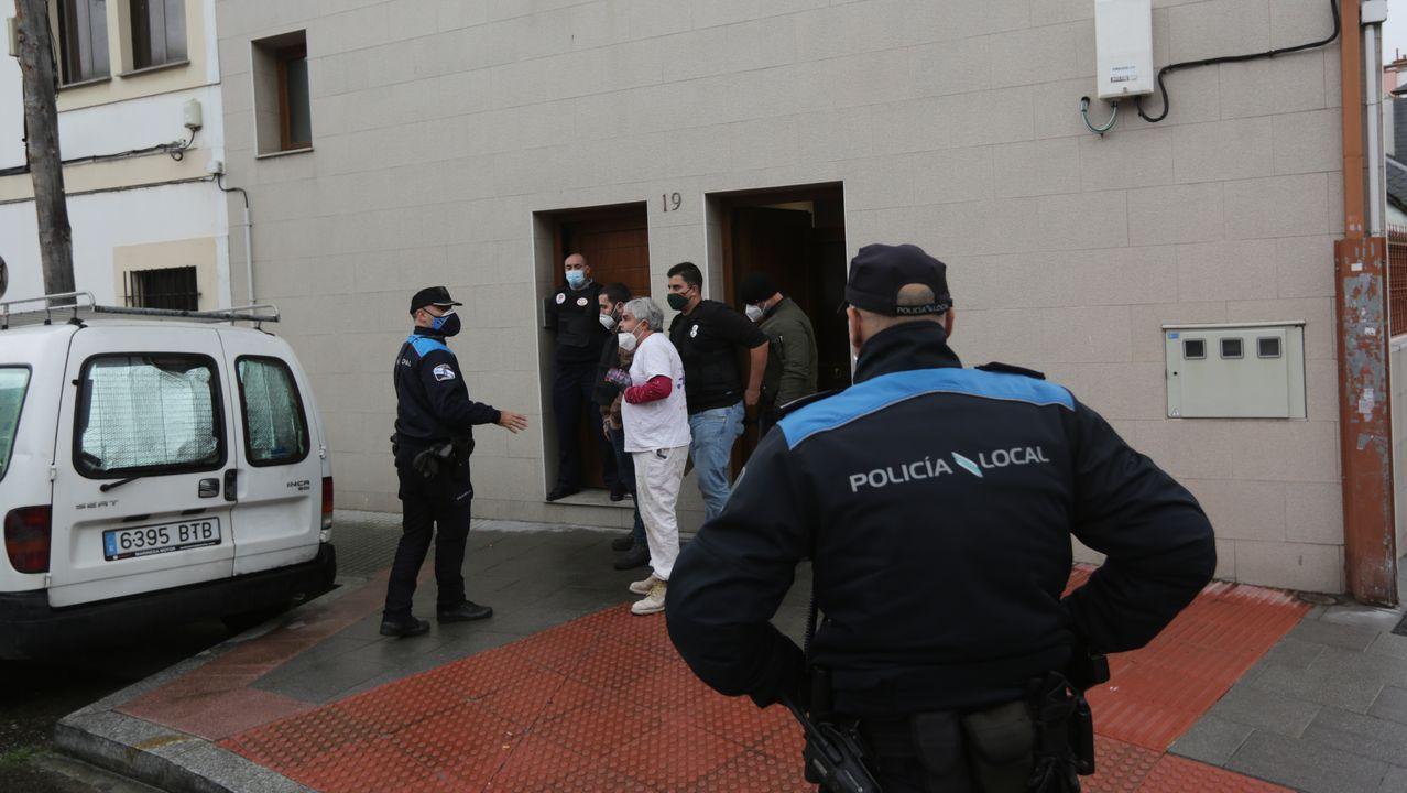 Carlos Vázquez Prego, agente de la Policía Local que ayudó en la reanimación de la mujer