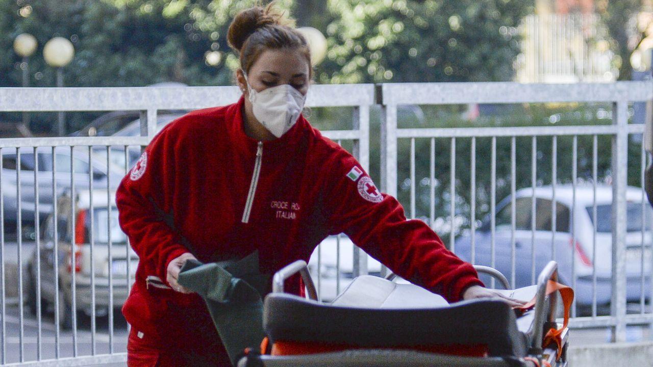 Pueblos desiertos y miedo al coronavirus en el norte de Italia