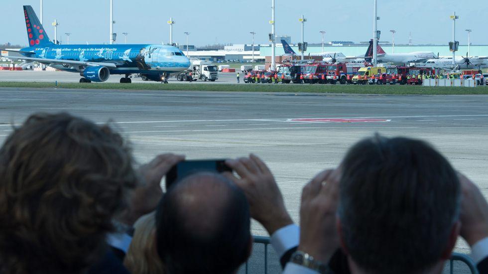 El aeropuerto de Bruselas reabre de forma parcial.Fase final del desmantelamiento del campamento de Idomeni, en la frontera entre Grecia y Macedonia.