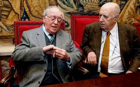 Jorge Parga e Xosé Luís Méndez Ferrín, onte, na Academia.
