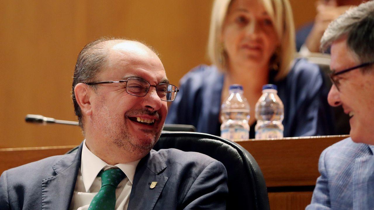 El socialista Javier Lambán revalida el cargo de presidente de Aragón tras contar con los apoyos de IU, Podemos, Chunta y PAR