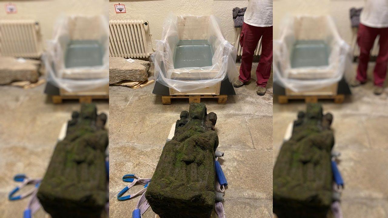 Tras su rescate, la escultura descansa en el Museo das Peregrinacións, a la espera de los trabajos de recuperación y restauración