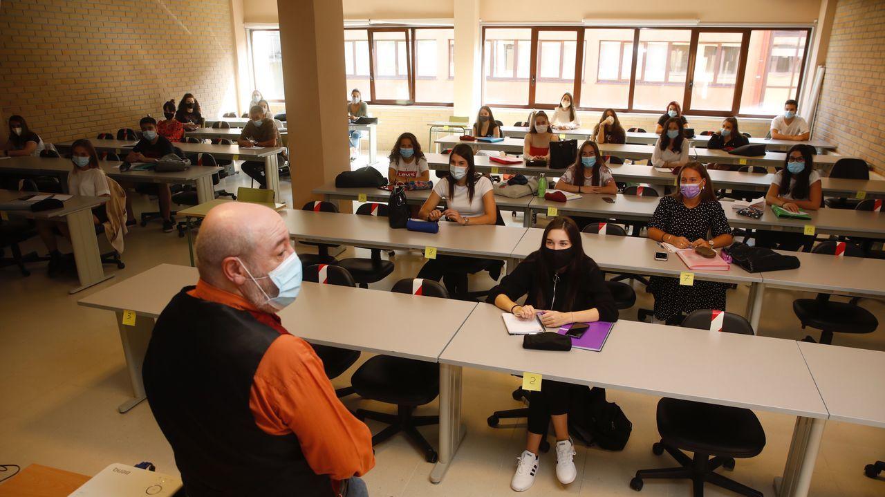 Primer día de clase en la Facultad de Enfermería en el Campus Terra, en Lugo.