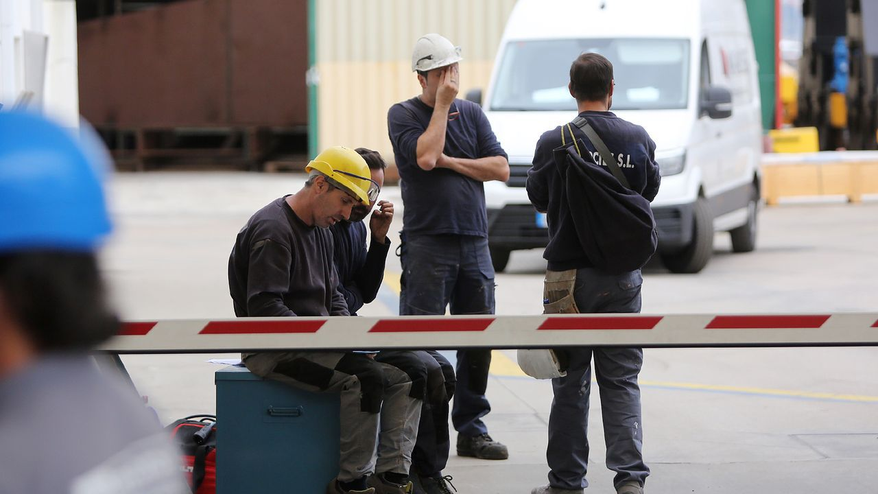 Escape en las baterias de coque de Avilés de Arcelor.Baterias de coque de Avilés de Arcelor