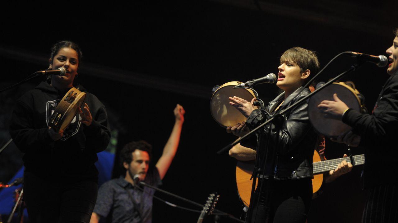 Tanxugueiras y Os amigos dos músicos comparten escenario